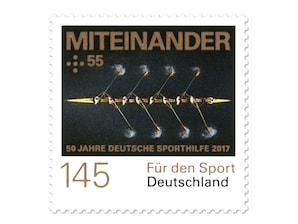 """Bild Briefmarke """"50 Jahre Deutsche Sporthilfe - Miteinander"""" aus der Serie """"Für den Sport"""", 1,45 + 0,55 EUR"""