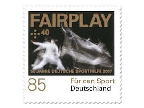 """Bild Briefmarke """"50 Jahre Deutsche Sporthilfe - Fairplay"""" aus der Serie """"Für den Sport"""", 0,85 + 0,40 EUR"""