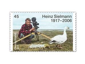 """Bild Briefmarke """"100. Geb. Heinz Sielmann"""" 0,45 EUR"""